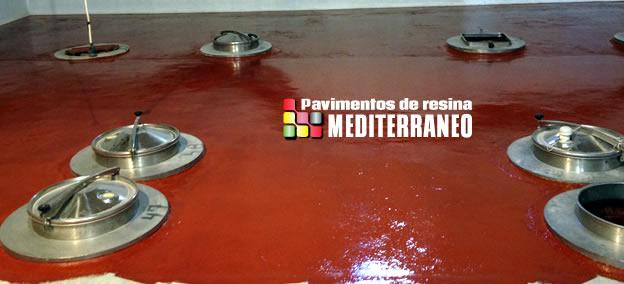 Instalación suelo de resina Epoxi de Pavimentos del Mediterráneo en bodegas.